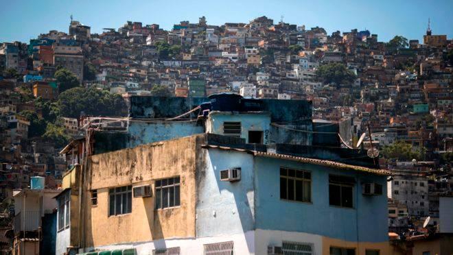 Atuação das milícias no Rio de Janeiro é mais perigosa do que o tráfico de drogas