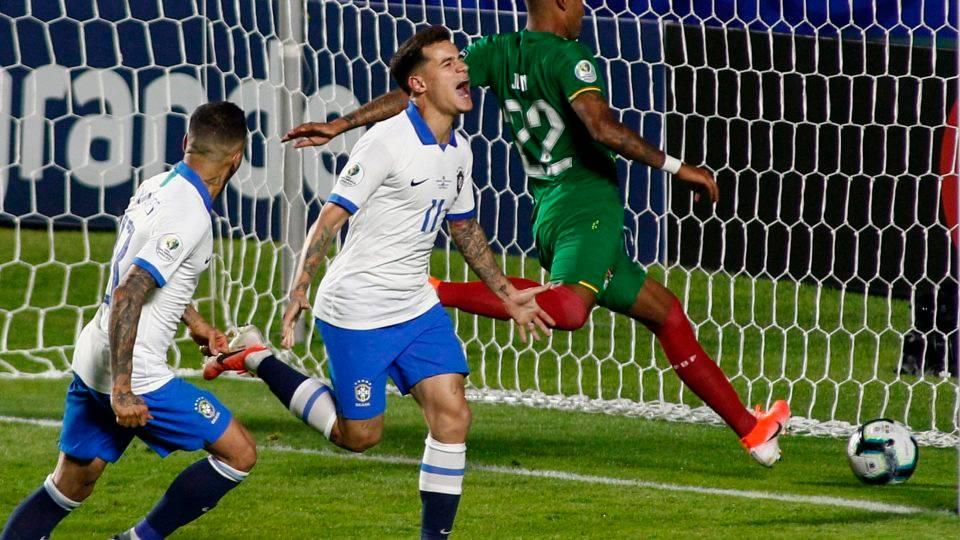 De branco, Brasil vence a Bolívia por 3 a 0 na estreia da Copa América
