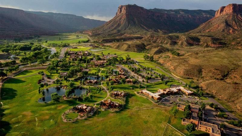 O Gateway Canyons Ranch & Resort fica encravado num cenário exuberante. Foto: Divulgação