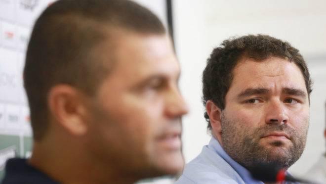 Decisão de demissão ou não do técnico Umberto Louzer cabe ao presidente Samir Namur.