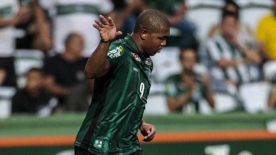 Coritiba está perto de fechar patrocinador máster para o restante da temporada