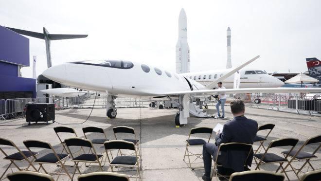 Aeronave elétrica Alice, fabricada pela Eviation e apresentada no 53.º Paris Air Show.