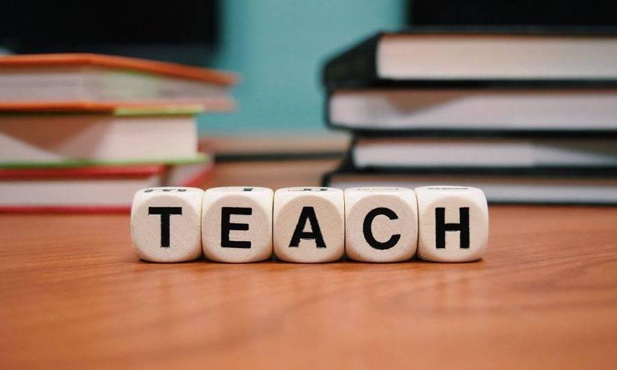 Iniciativa no Paraná tenta melhorar o inglês de professores universitários