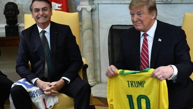 As redes sociais de Bolsonaro são contas pessoais ou públicas?