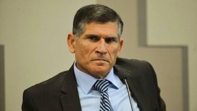 O ex-Ministro-Chefe da Secretaria de Governo da Presidência da República, Santos Cruz.