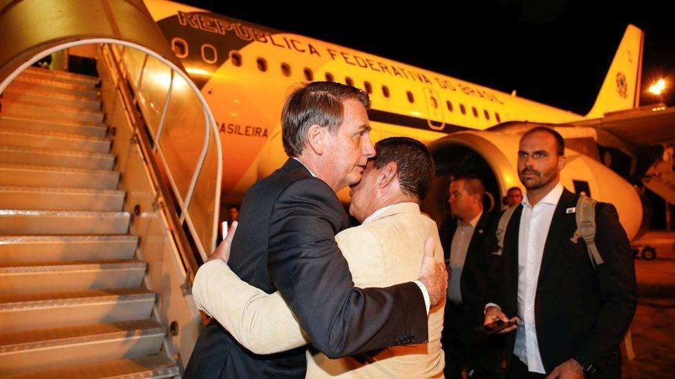 Enquanto Bolsonaro vai ao Japão, Lula fica em Curitiba