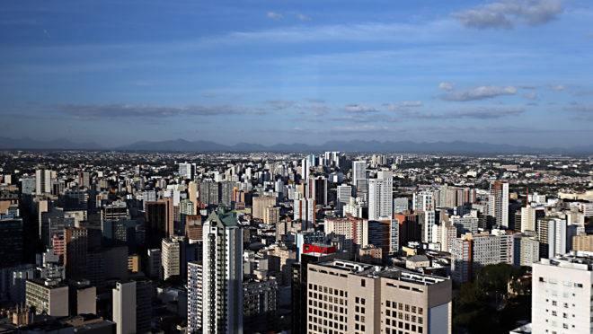 Prédios na região central de Curitiba