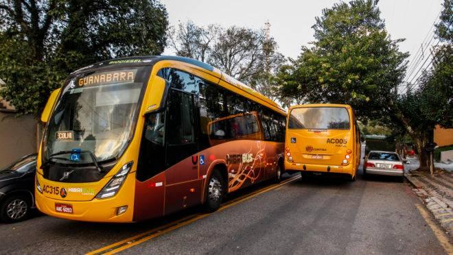 Ônibus híbrido em Curitiba: cidade começou a testar o modelo em 2012