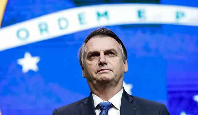 Bolsonaro completa seis meses no governo