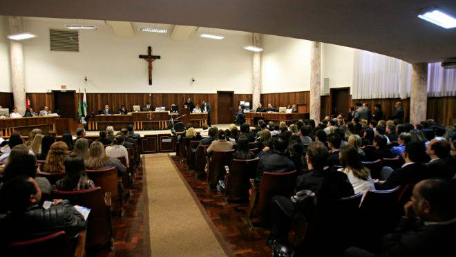 Julgamento de Beatriz Abbage, em 2011, no Tribunal do Júri, em Curitiba