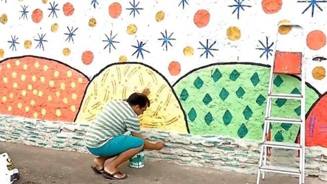 Cansados do mau cheiro, da sujeira e da letargia do Estado, moradores de Fortaleza se reuniram para revitalizar uma rua degradada.