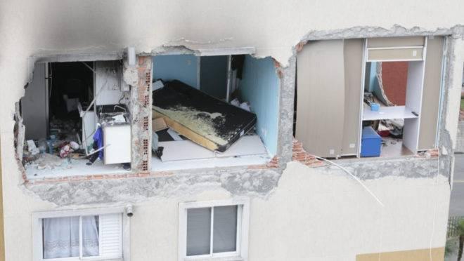 Explosão no apartamento ocorreu durante aplicação de impermeabilizante de sofá.