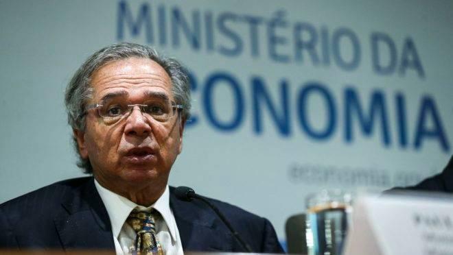 Paulo Guedes anuncia medidas para reduzir burocracia em processo de patentes