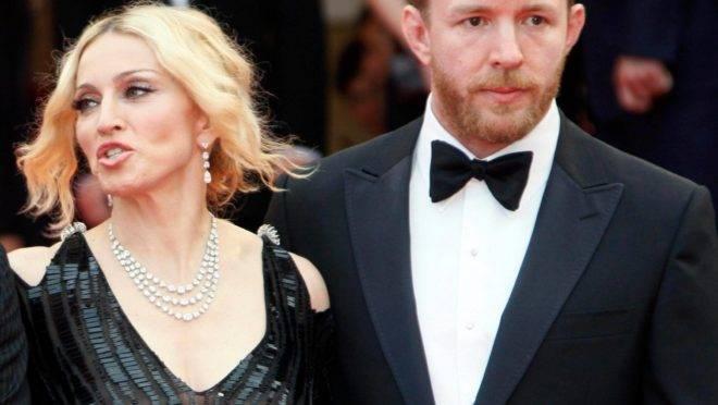 Cantora Madonna teve uma publicação apagada do Instagram sob acusação de conteúdo falso