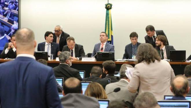 Comissão Especial da reforma da Previdência durante votação.