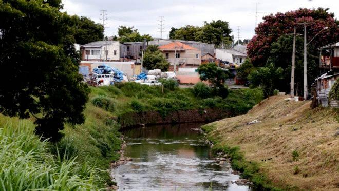 Marco regulatório do saneamento básico virou projeto de lei que está empacado no Congresso