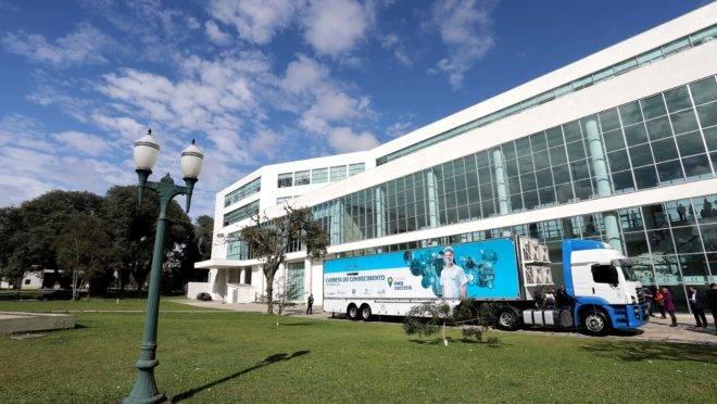 Carreta do Conhecimento: caminhão-escola atenderá 2 mil alunos em 2019