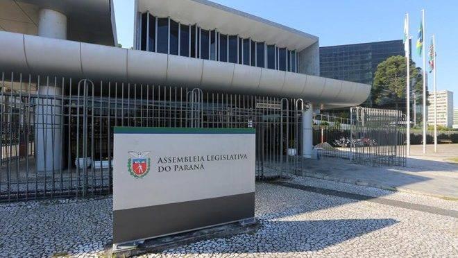 Audiência pública sobre indicação política de cargos nos Tribunais de Contas acontece na Assembleia Legislativa do Paraná.
