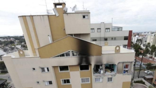Explosão em apartamento no  bairro Água Verde matou um menino de 11 anos e deixou três pessoas gravemente feridas.