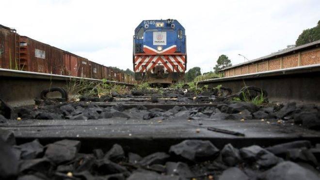 Governo do Paraná avalia privatização da Ferroeste.