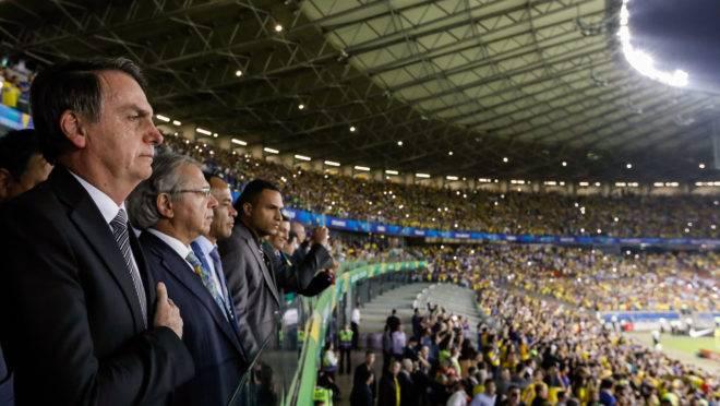 Presidente da República, Jair Bolsonaro durante partida de futebol Brasil e Argentina