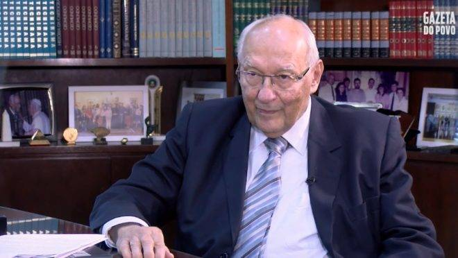O jurista Ives Gandra Martins é o entrevistado do Imprensa Livre