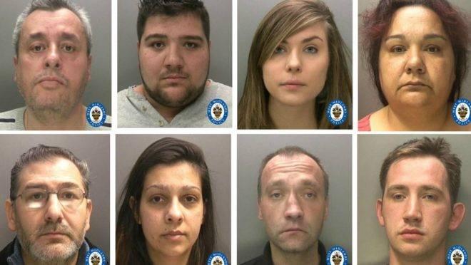 Membros de uma quadrilha de criminosos poloneses que traficava pessoas para trabalhar em condições análogas à escravidão no Reino Unido