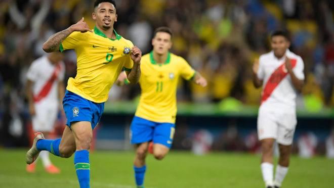 Gabriel Jesus comemora um dos gols do Brasil no título da Copa América 2019 sobre o Peru