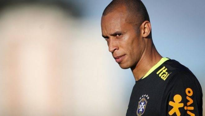 Zagueiro Miranda voltou a animar os torcedores do Coritiba após o título da Copa América 2019