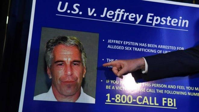 Procurador dos EUA para o Distrito Sul de Nova York Geoffrey Berman anuncia acusações contra Jeffery Epstein em 8 de julho de 2019 em Nova York. Epstein é acusado de tráfico sexual de menores e conspiração para se envolver em tráfico sexual de menores