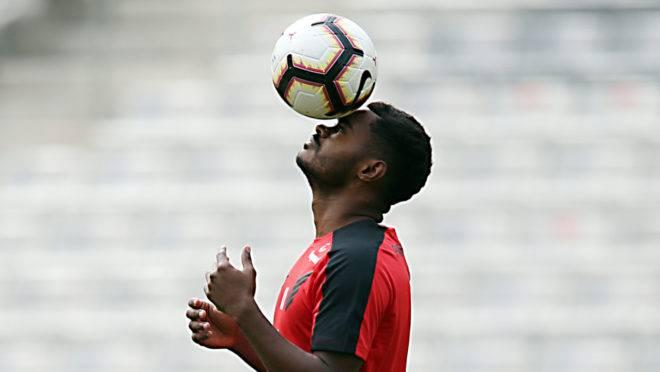 Nikão está próximo de deixar o Athletico para jogar no futebol dos Emirados Árabes