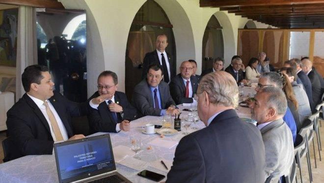 Líderes de partido do Senado Federal se reuniram nesta terça-feira (9) e fecharam acordo para tramitação de reforma tributária