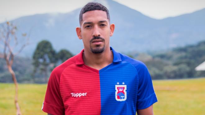 Léo Príncipe está à disposição do Paraná Clube na Série B 2019