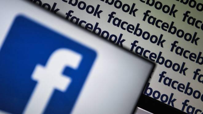 """Redes sociais terão que excluir postagens consideradas """"discurso de ódio"""" em 24 horas"""