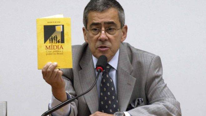 O jornalista Paulo Henrique Amorim faleceu na manhã desta quarta-feira (10).