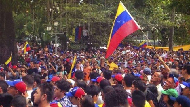 Protesto na Venezuela. Crédito: Flickr Valentín Guerrero (CC BY 2.0)