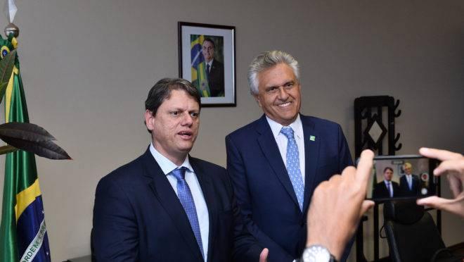 Contrato da Ferrovia Norte-Sul: Tarcísio Freitas e Ronaldo Caiado