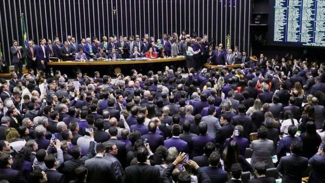 Plenário da Câmara durante a discussão do texto-base da reforma da Previdência.