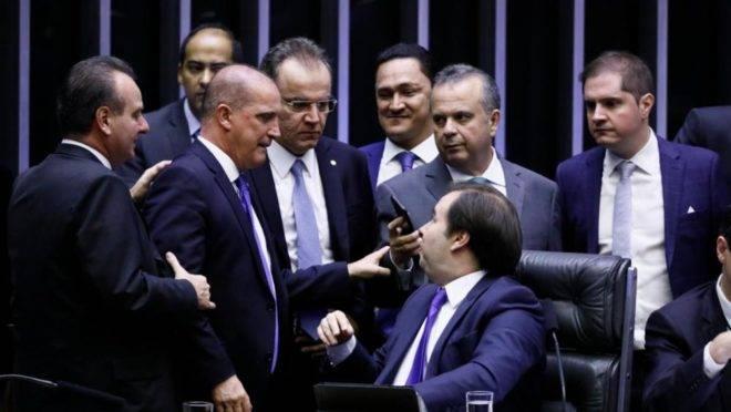 Rodrigo Maia, Onyx Lorenzoni e Rogério Marinho no plenário