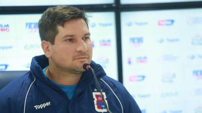 Técnico Matheus Costa comentou a situação financeira do Paraná