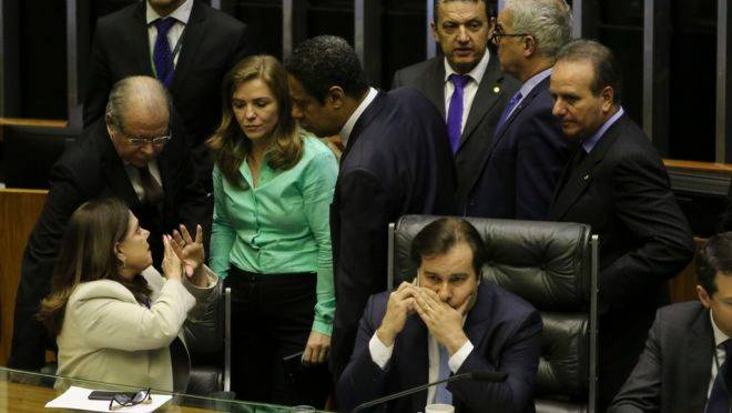O presidente da Câmara, deputado Rodrigo Maia, durante a sessão de análise dos destaques ao texto principal da reforma da Previdência.