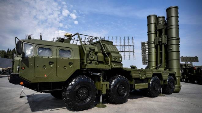 Sistema de lançamento de mísseis antiaéreos russo S-400