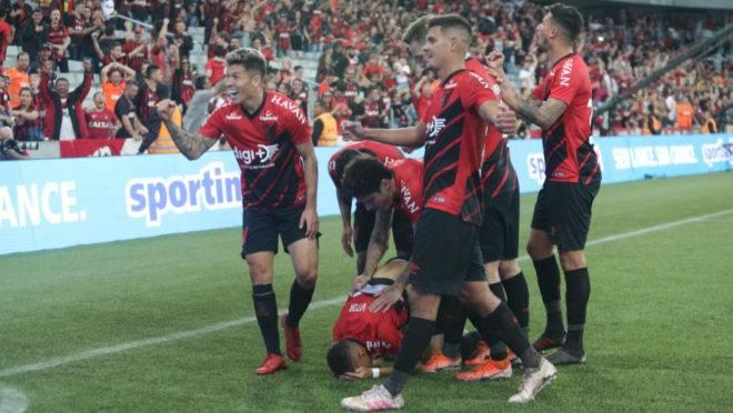 Athletico venceu por 1 a 0 o Internacional com um gol do atacante Vitinho.