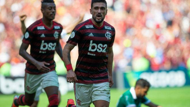 Arrascaeta fez três gols contra o Goiás. FOTO: CELSO PUPO/FOTOARENA/ESTADÃO CONTEÚDO