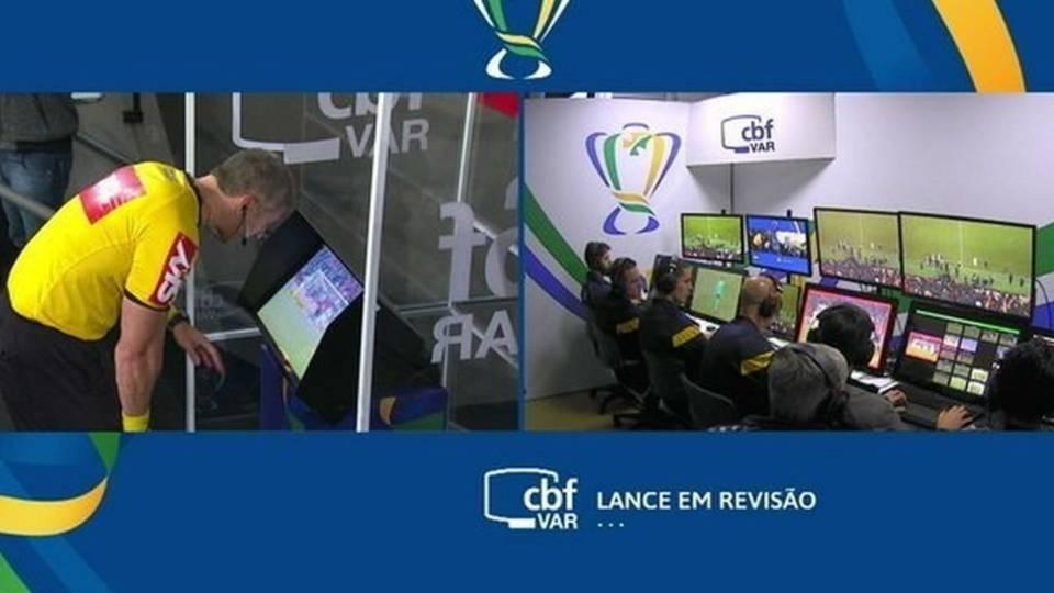 VAR: quando o árbitro de vídeo pode interferir na partida?