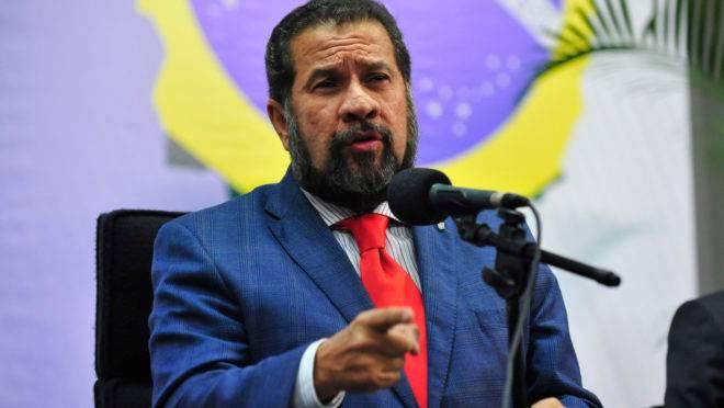 O presidente do PDT, ex-ministro Carlos Lupi