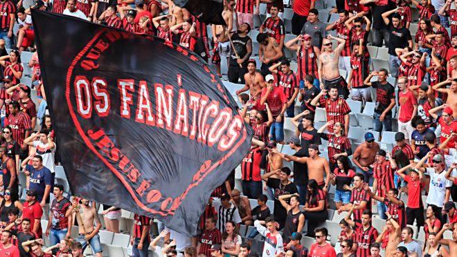 Athletico e Fanáticos discutem liberação de bateria e bandeiras para jogo com Boca Juniors