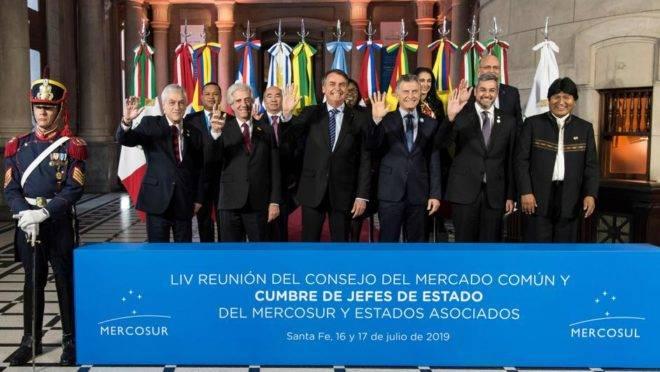 Os presidentes dos países do Mercosul e da Bolívia em registro oficial da 54ª Cúpula, em Santa Fé, na Argentina.