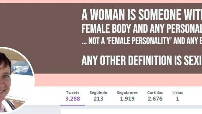 Professora acusada de transfobia tem, em seu perfil no Twitter, imagem que nega que uma 'personalidade feminina' possa estar em um corpo qualquer