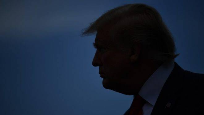 O presidente dos Estados Unidos, Donald Trump, fala com jornalistas ao deixar a Casa Branca para um comício na Carolina do Norte em 17 de julho de 2019, Washington, EUA